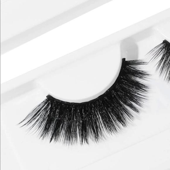 🆕She Glam 1pair Stay Wild  False Eyelashes